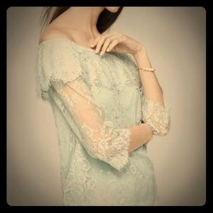 WHBM Mint Green Lace Off the Shoulder Blouse Sz XS